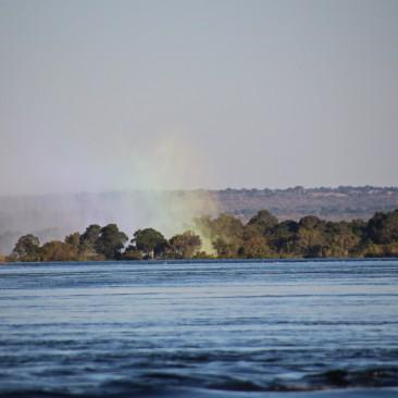 Vic Falls Rainbow auf dem Zambesi
